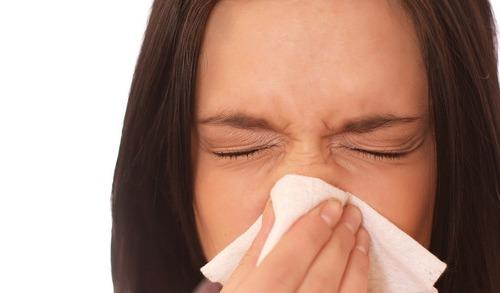 10 непреодолимо милых вещей, которые делают женщины - чихание