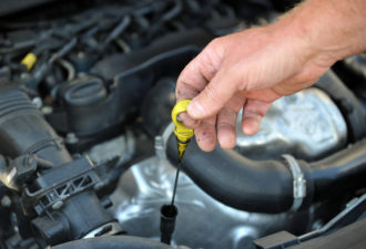 Когда менять масло в автомобиле