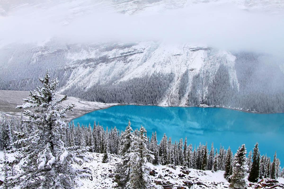 зима сказочно прекрасна, Озеро Пейто, Канада