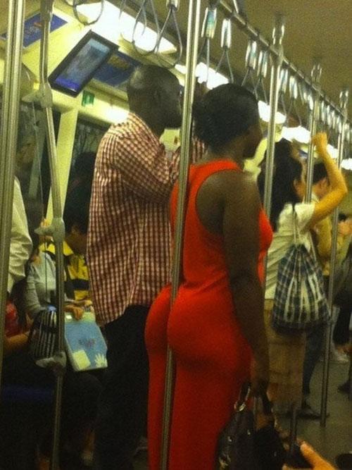 Пикантные девушки в общественном транспорте