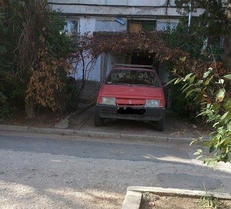 Парковка в подъезде