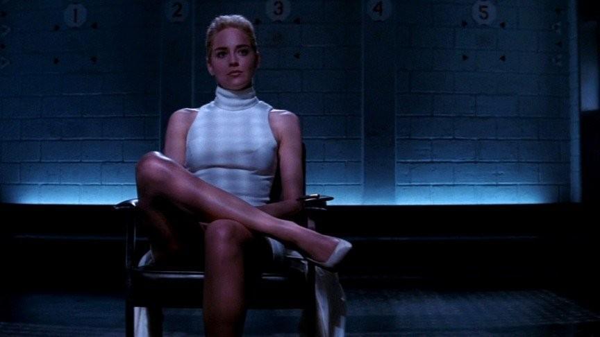 12 самых скандальных эротических сцен, Шэрон Стоун (Sharon Stone)
