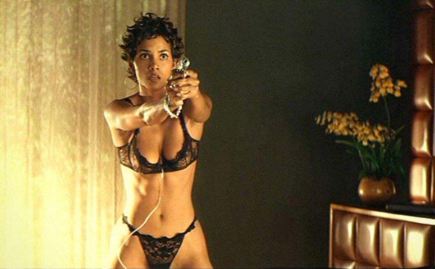 12 самых скандальных эротических сцен, Хэлли Берри (Halle Berry)