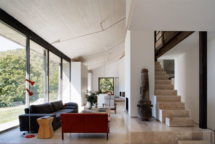 жилье можно сделать уютным, холл
