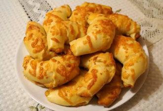 Круассаны с сырной начинкой