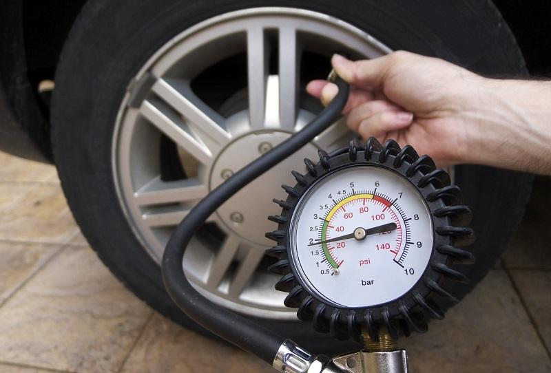 Как сэкономить деньги на бензине, давление в шинах