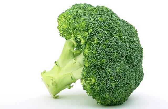 10 продуктов, которые почистят артерии, броколи
