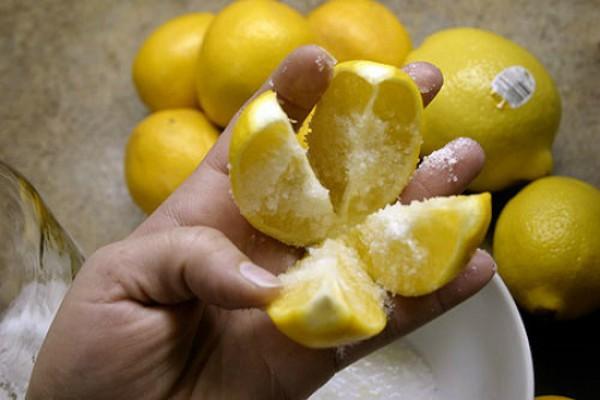 лимон поможет избавится от неприятных запахов