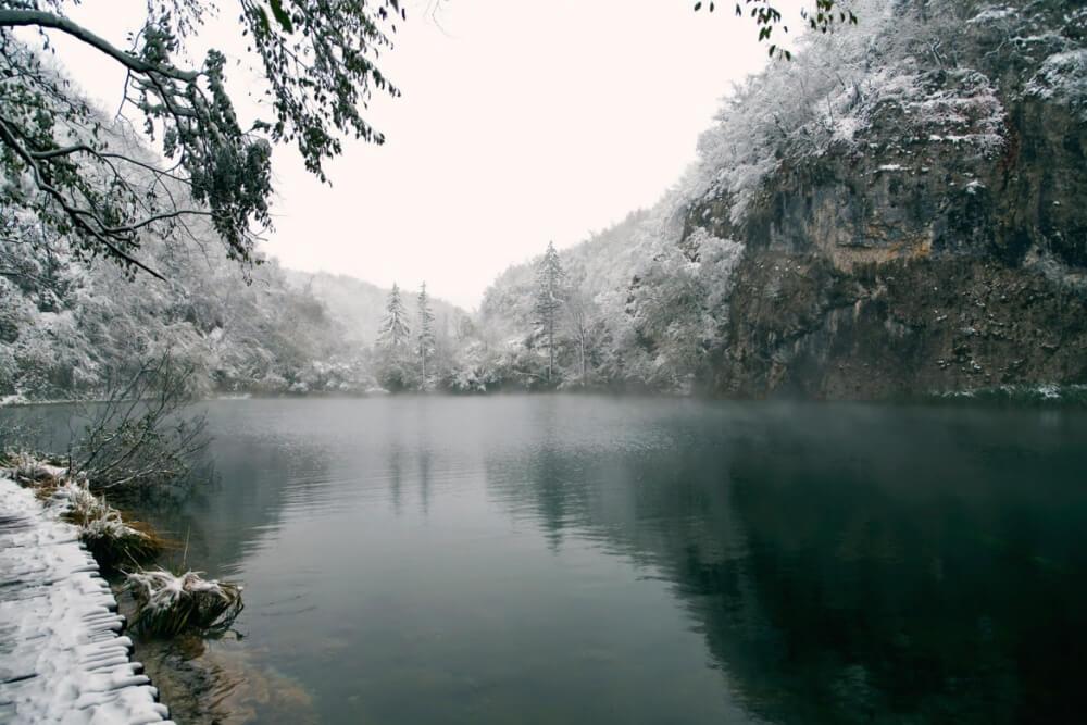 зима сказочно прекрасна, Плитвицкие озера, Хорватия