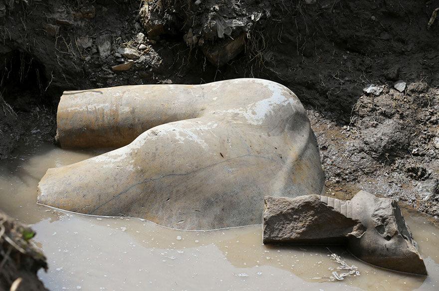 найдена 3000-летняя статуя Рамзеса II