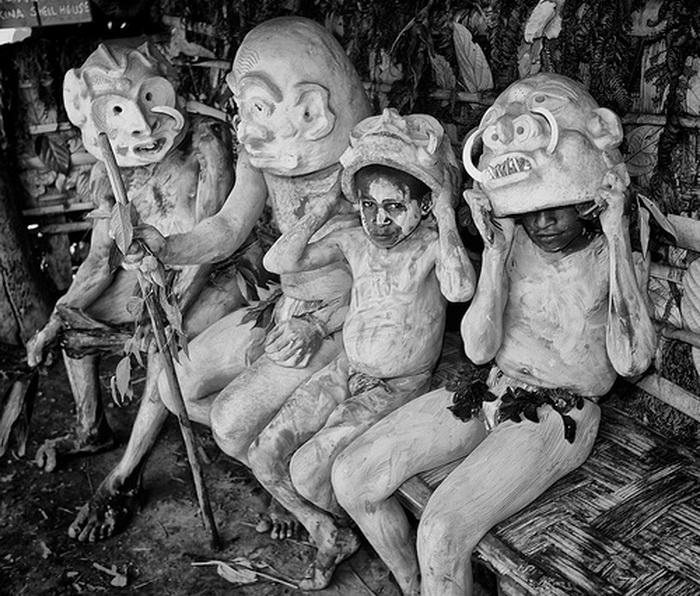 загадка папуасского племени асаро