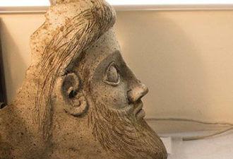 обнаружена голова античного божества