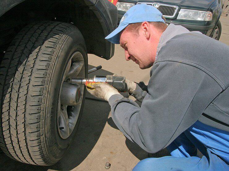 Совет: что делать, чтобы колёса не откручивались сами по себе