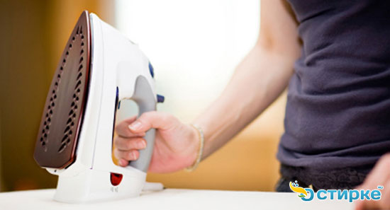 3 способа очистить утюг от накипи