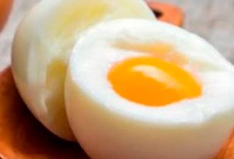 съедать по 3 яйца каждый день