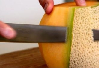 лучший способ нарезать арбуз, дыню
